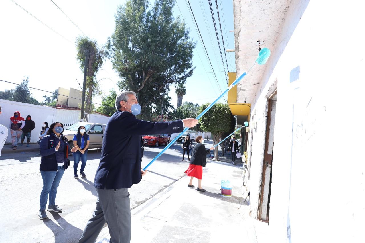 """Pintarán 4 mil fachadas de 11 colonias de León a través del programa """"Mi Colonia a Color"""""""
