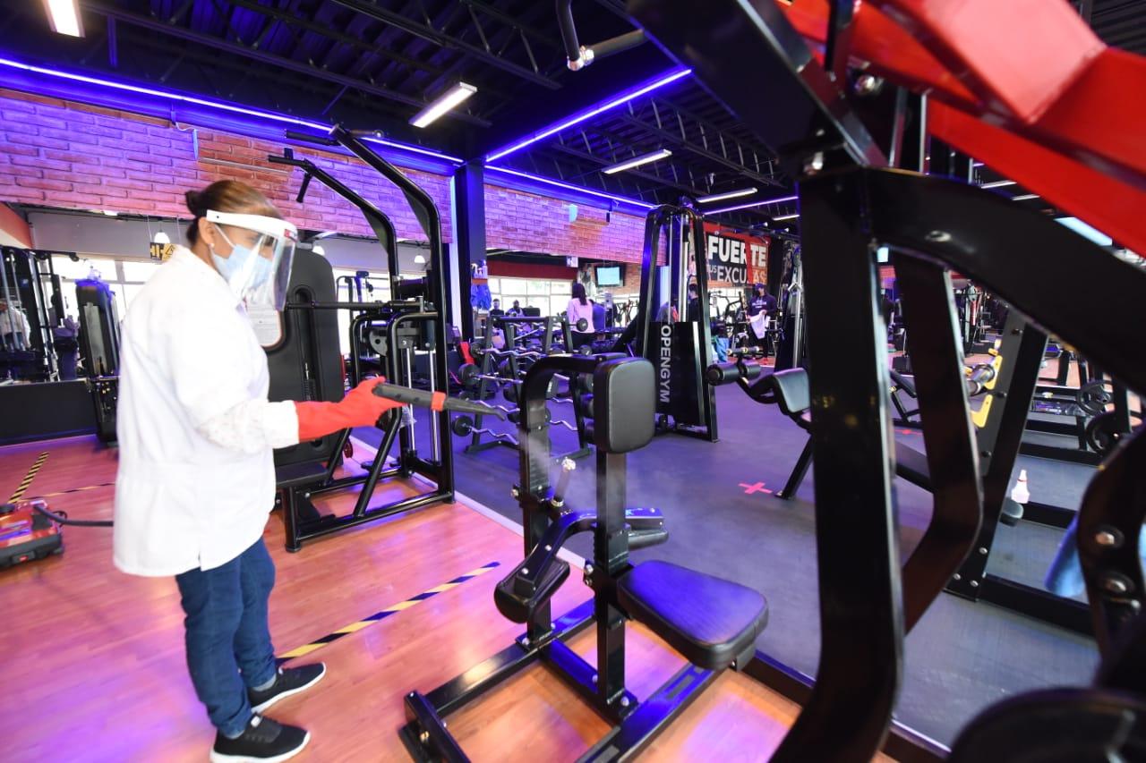 Supervisan protocolos sanitarios en gimnasios y albercas de Irapuato