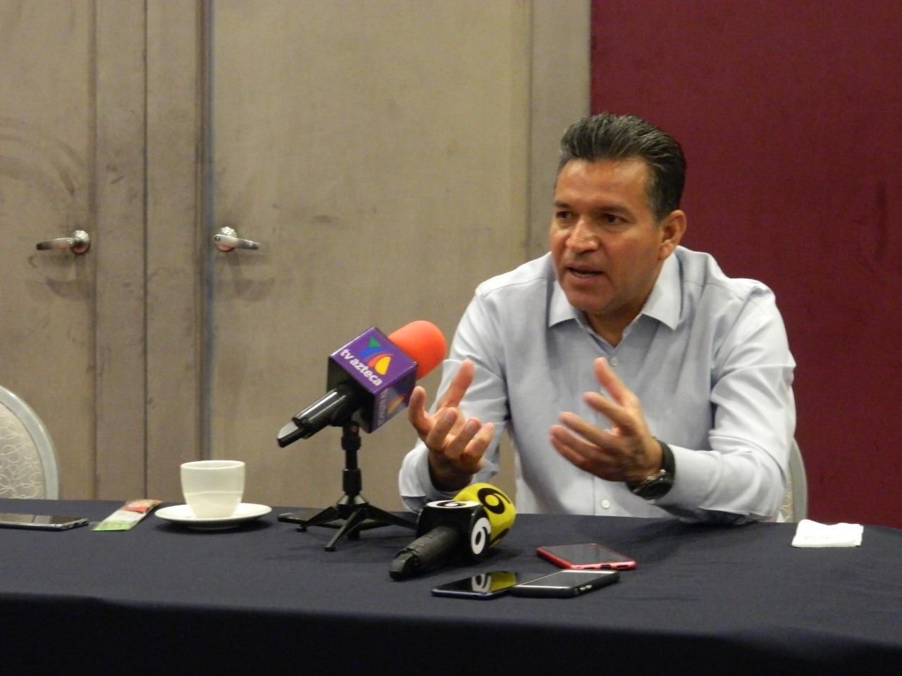 Pide Rómulo Catalán trabajar en promover la denuncia ciudadana en Silao