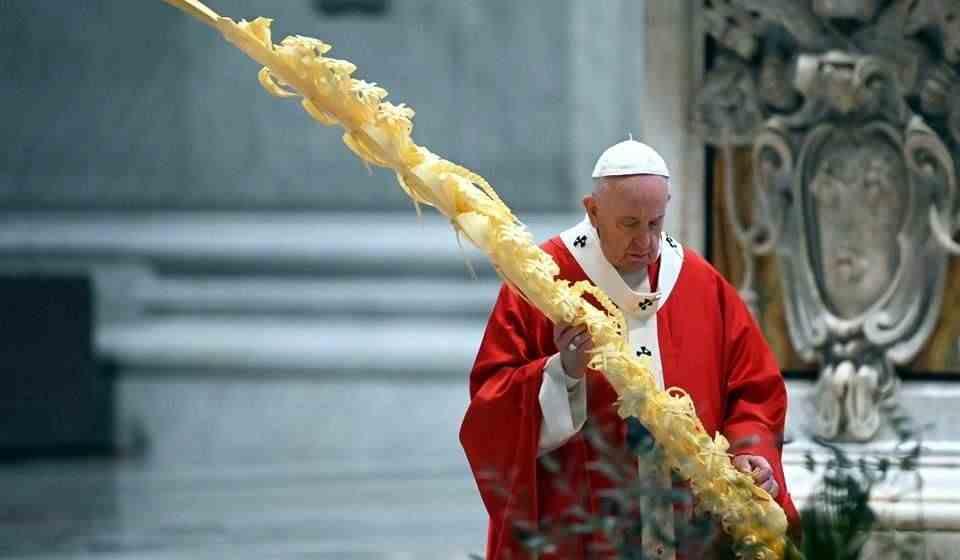 Celebra Papa Domingo de Ramos sin fieles