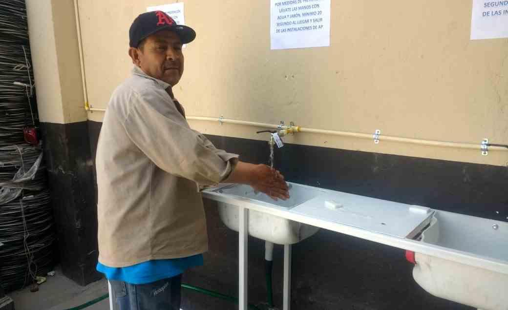 Protegen a empleados contra coronavirus en León