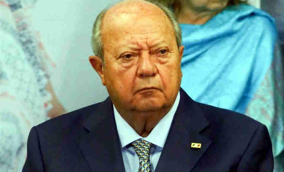 Recibió líder petrolero millonada de Peña Nieto