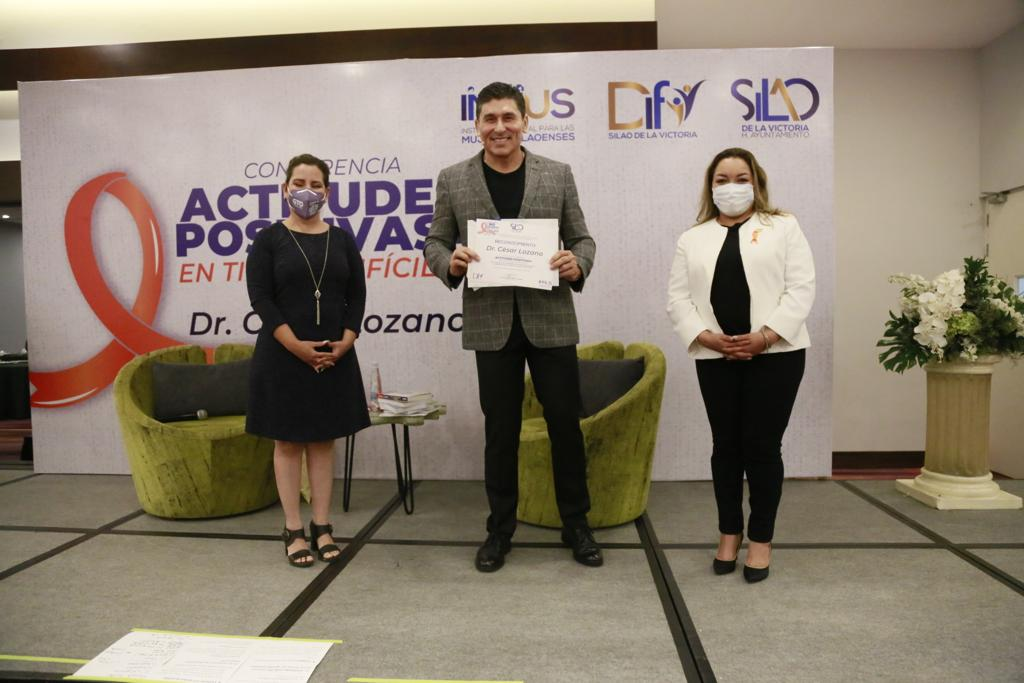 Presenta DIF Silao al conferencista César Lozano