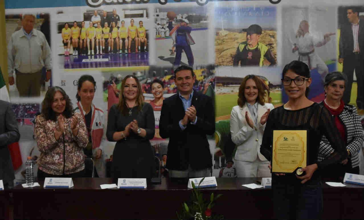 Entrega Alejandro Navarro Premio Municipal del Deporte