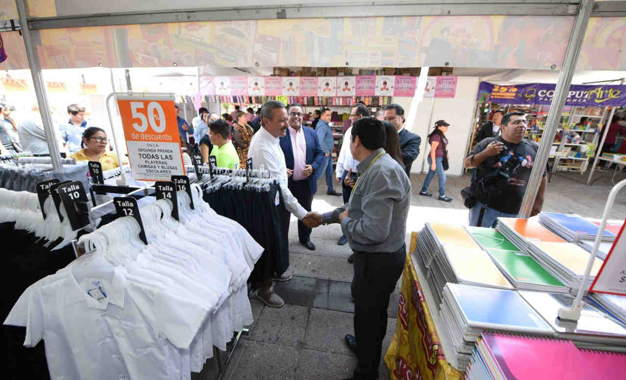 Inicia Feria de Regreso a Clases en Irapuato