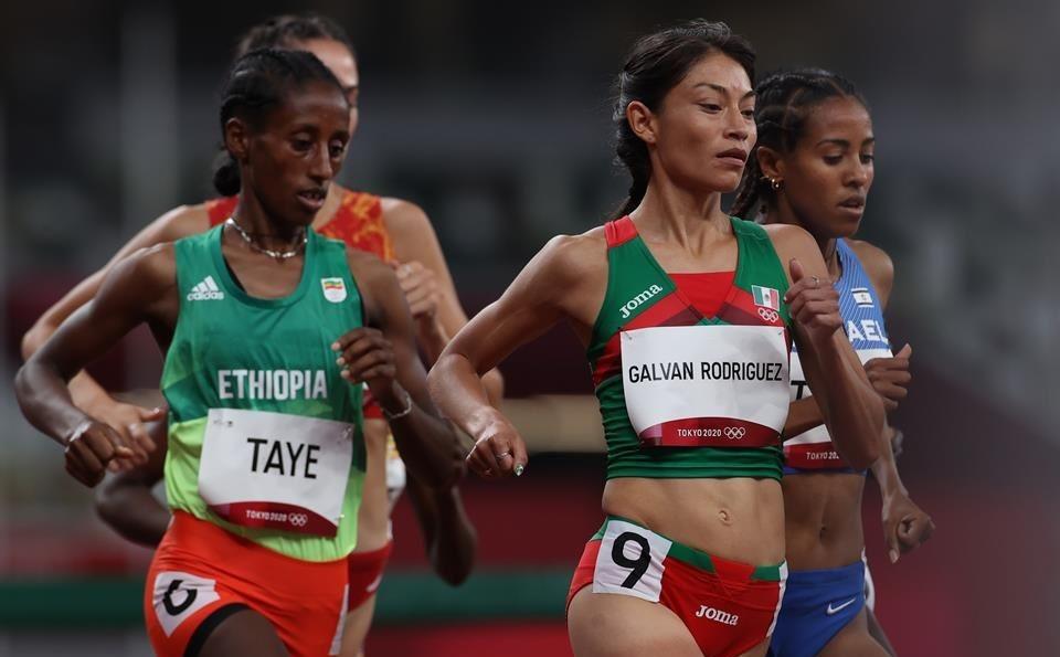 "Rompe ""Gacela"" Galván récord nacional en Tokio, pero no llega a la final por medalla"
