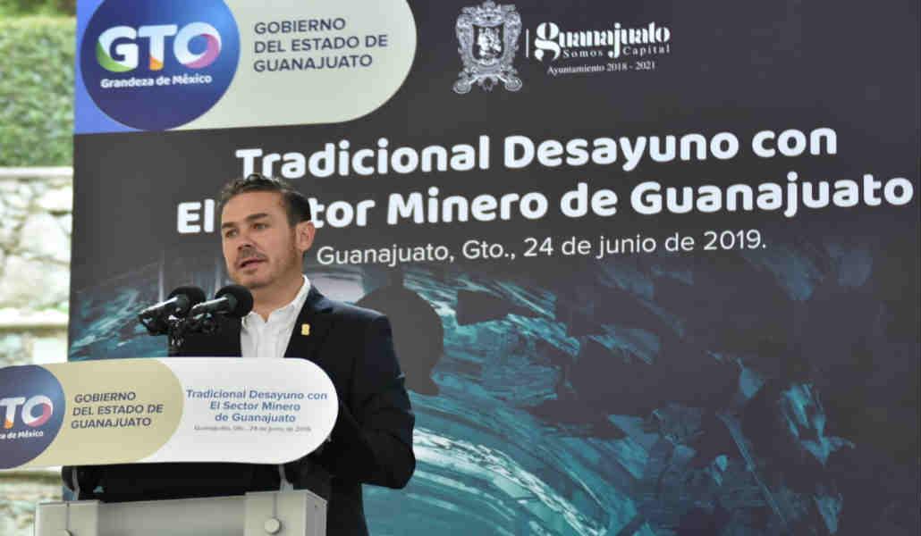 Destaca Alejandro Navarro origen minero de la Capital