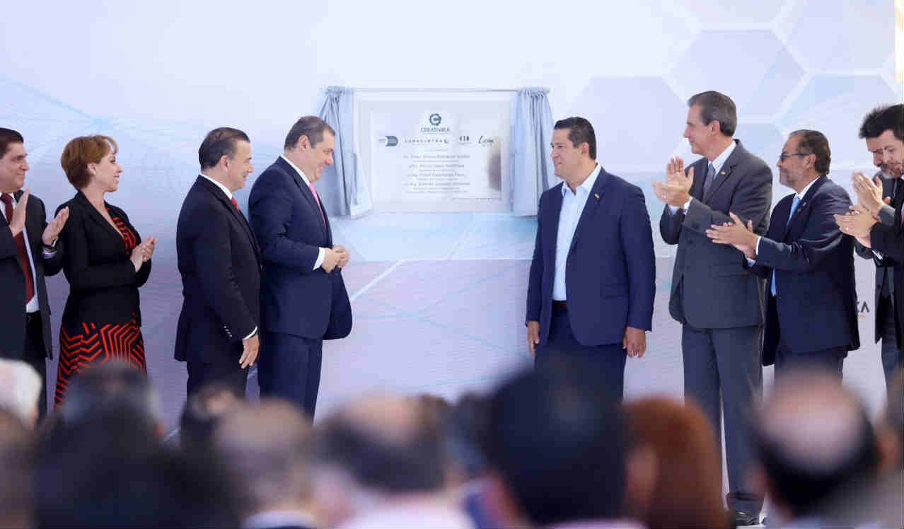 Inauguran Creativika en León